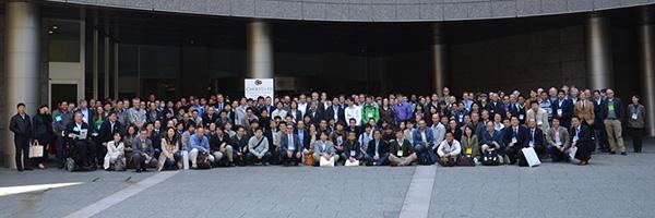 2013年4月東京にて集結した400名もの科学者達