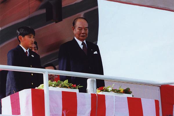 「ちきゅう」の命名者代表の山田くんと大庭会長