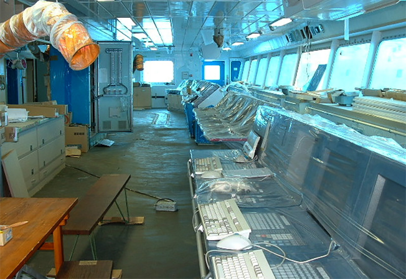 航海機器、各種装置の設置